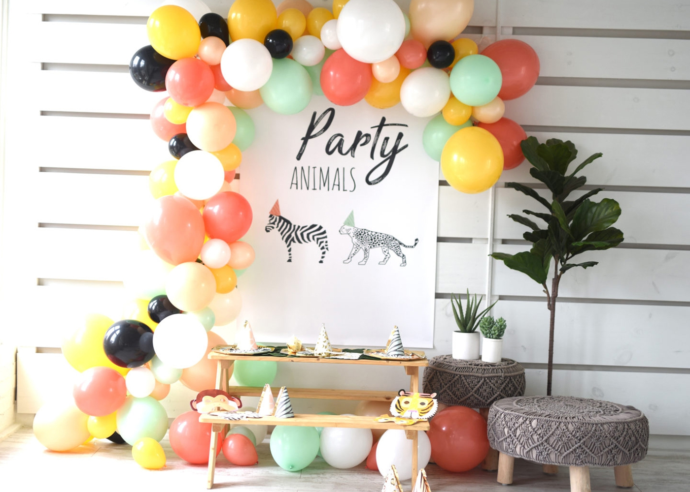 party animals balloon installation